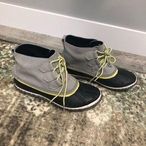 Sorel snow boots unlined